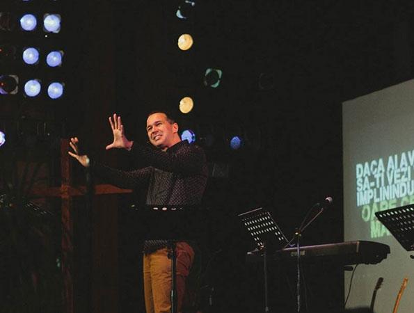 Predicare expozitiva si aplicationala